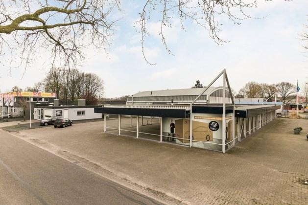 Keukenbedrijf in voormalige autoshowroom Zuidsingel Venray
