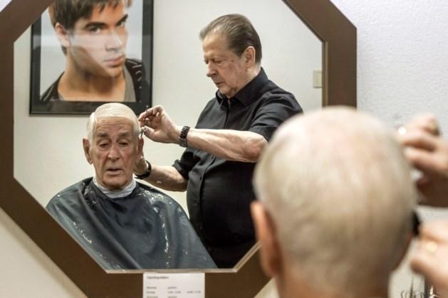 Kapper Jan Roumen (79) uit Geleen voelt zich nog achttien jaar