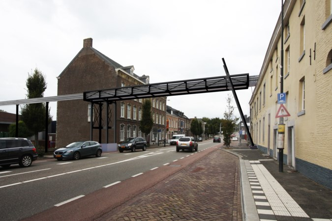 Bierbrug bij Gulpenerbrouwerij wordt in één keer geplaatst