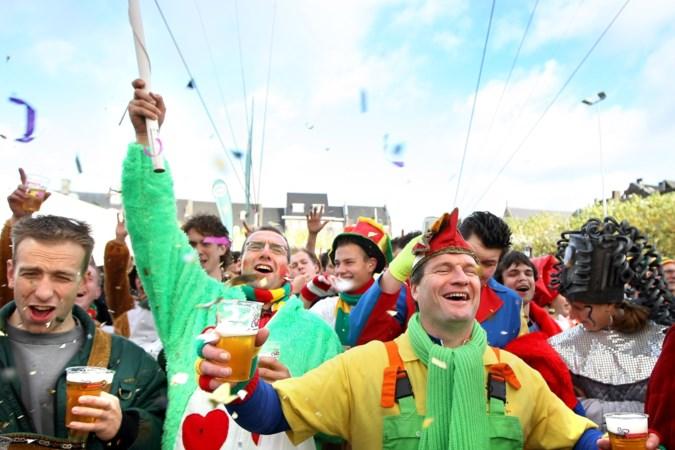 VVD: waarom carnavalisten weren in de bus, maar boerka's niet?