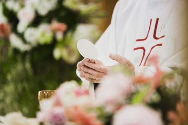 Bisschop Smeets wijdt Pawel Zelazny tot diaken
