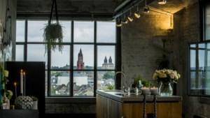 Een kijkje in een loft in het Eiffelgebouw met 'het mooiste uitzicht' over Maastricht