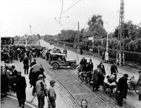 Week 7 van de Limburgse bevrijding: Terugkerende evacués Kerkrade treffen puinhoop aan, Venlo en Blerick weer zwaar getroffen