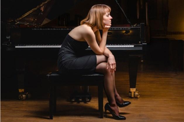 Klassiek pianiste Anna Ushakova in Huys Ter Horst
