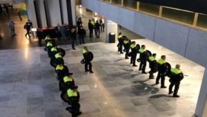 Boze boeren blokkeren provinciehuis Den Bosch