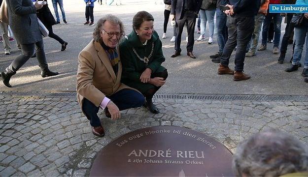 André Rieu heeft eindelijk z'n monument op het Vrijthof