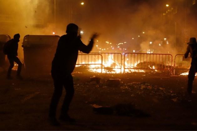Honderden agenten gewond, 200 arrestaties bij protesten in Catalonië