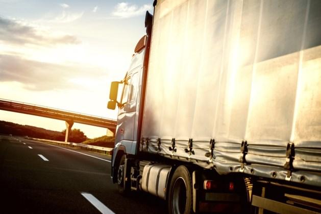 Twee trucks met migranten in België van de weg gehaald