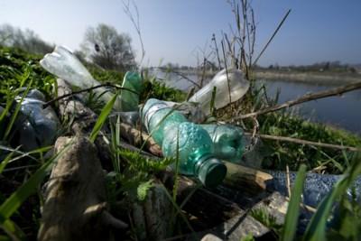 Meeste plastic zit in Limburgs deel van de Maas
