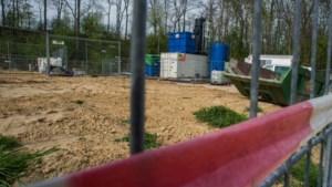 Kabinet stelt norm bij vuile grond bij om crisis rond projecten te bezweren