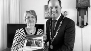 Boek 'Houd Moed' cadeau voor 75-jarigen uit Simpelveld