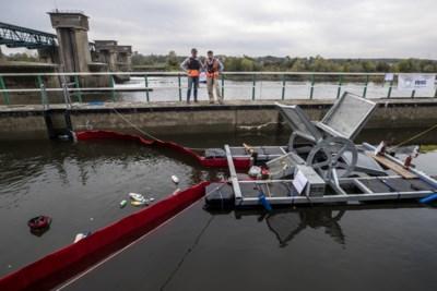 Sluisje Borgharen: een drijvende waterkrachtcentrale en een plasticschep