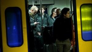 Treinen raken tjokvol door fileleed op de weg: kans op zitplaats steeds kleiner