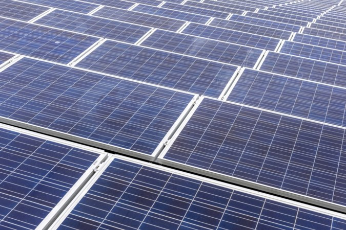 Dak sporthal Meerlo wordt in januari volgelegd met zonnepanelen