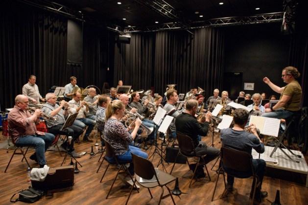 Fanfare Ell wil stoffig imago afblazen: bijzonder concert in Ellenhof