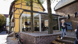 Gesprek over 'eindigheid' in Sittards kerkje