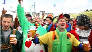 Carnavalisten 11devande11de hoeven toch niet te lopen naar het MECC