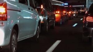 Verkeer loopt vast in avondspits op A2 na ongeluk bij Roosteren