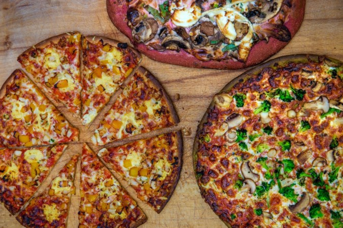 Brood met biet, pizza met spinaziebodem; hoe gezond is het? En… is het lekker?