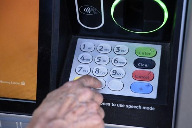 'Helft Nederlanders vertrouwt banken niet'