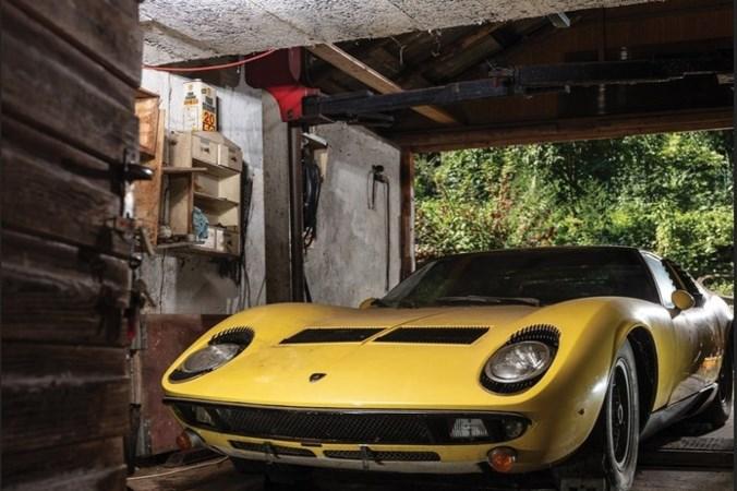Uit schuur getrokken oude Lamborghini brengt 1,4 miljoen op