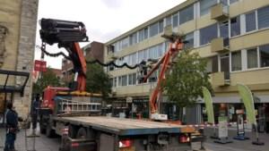 Onveilig balkon van Valkenburgse flat los gezaagd en weggehaald
