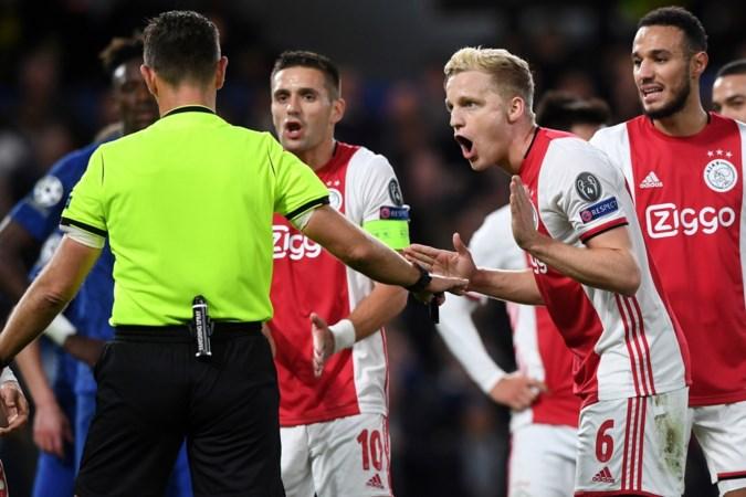Mario van der Ende: 'Onafhankelijke VAR had penalty tegen Ajax teruggedraaid'