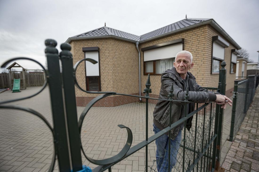Woonwagenbewoners Heythuysen doen aangifte van discriminatie... - De Limburger