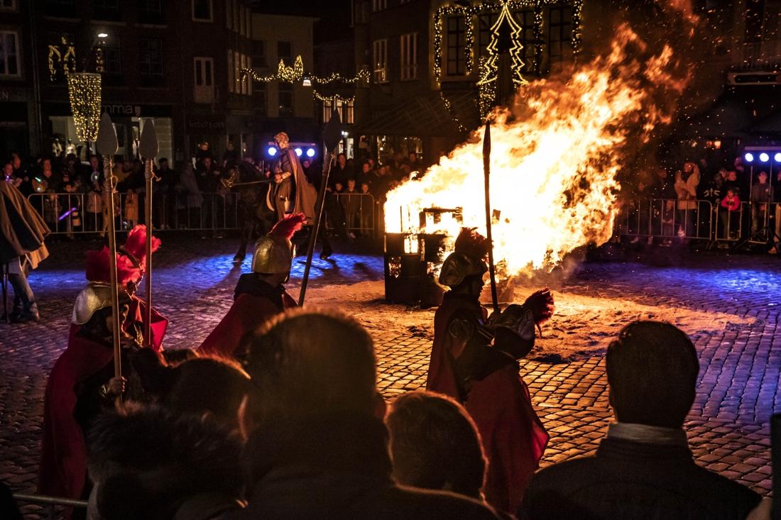 Veel belangstelling voor viering Sintermerte Roermond - De Limburger