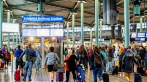Schiphol Plaza op de schop: lucht- en treinreiziger uit elkaar