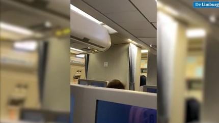 Video: Piloot van 'gekaapt' vliegtuig op Schiphol maakt excuses voor activeren alarm