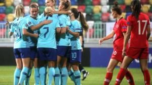 Oranje-voetbalsters walsen over Turkije heen