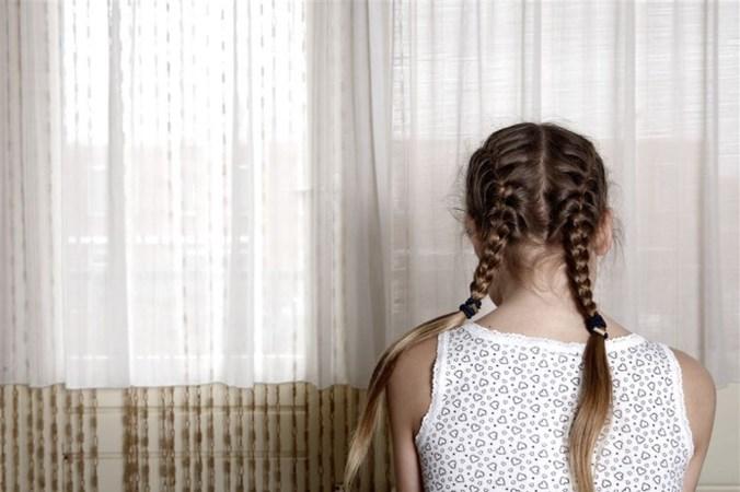 Man (40) verdacht van seks met tienermeisjes: 'zijn slavinnetjes'