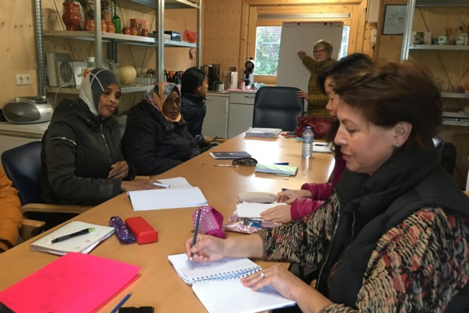 Ruimtegebrek Moedercentrum Maximina: taalles in een dikke jas