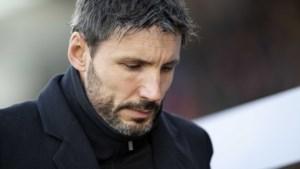 Van Bommel raakt met armetierig PSV dieper in crisis
