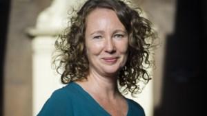 Lezing schrijfster Katja Kreukels in LeesKunst Kerkrade over boek 'Mijn vader was priester'