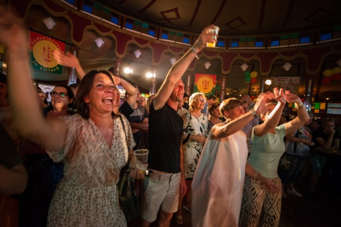 Zusterverenigingen houden boot af ondanks installatie nieuwe leden in Wieze Raod van Sittardse Marotte