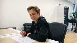 Platencontract voor 14-jarige deejay Tijn uit Beek