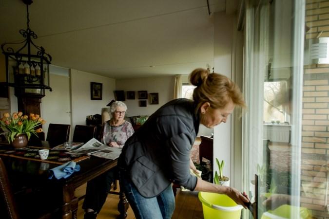 'Proef met zorgmakelaar moet ouderen langer samen thuis laten wonen'