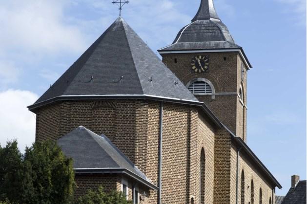 Deel van het plafond in Terpkerkje Urmond losgekomen