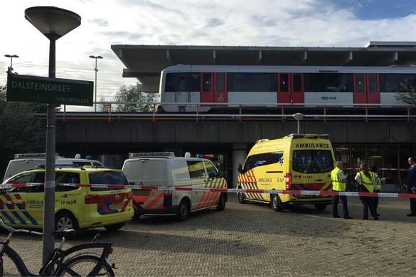 Schizofrene man kwam vrij uit PI Vught en stak reiziger Joost (38) dood in metro, blunders in zorg