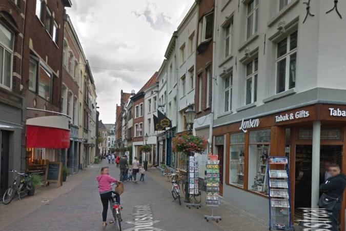 Ondernemers uit Gasthuisstraat in Venlo gaan eigen straat dagelijks schoonmaken