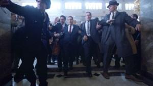 Al Pacino praat, Robert De Niro luistert