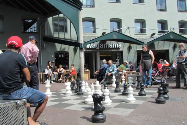 Gemeenteraad wil mega schaakbord op Plein 1992