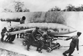 Week 8 van de Limburgse bevrijding: Eerste V1's vliegen over provincie en zwangere Russin doodgeschoten om paar appels