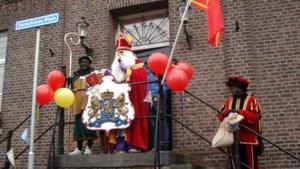 Kinderen Beesel verwelkomen Sinterklaas