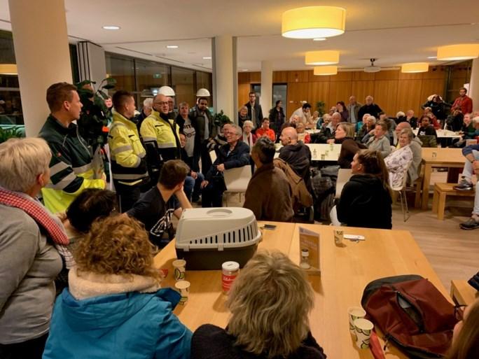 Video: Tientallen bewoners geëvacueerd bij brand in appartementencomplex Maastricht