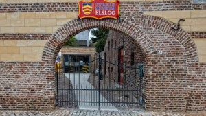 Gevel van Streekmuseum Elsloo is hersteld, nu nog de schade verhalen