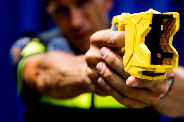 Politieagenten krijgen stroomstootwapen