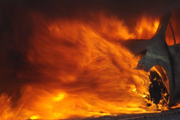Fransman opgepakt voor brandstichting 900 auto's